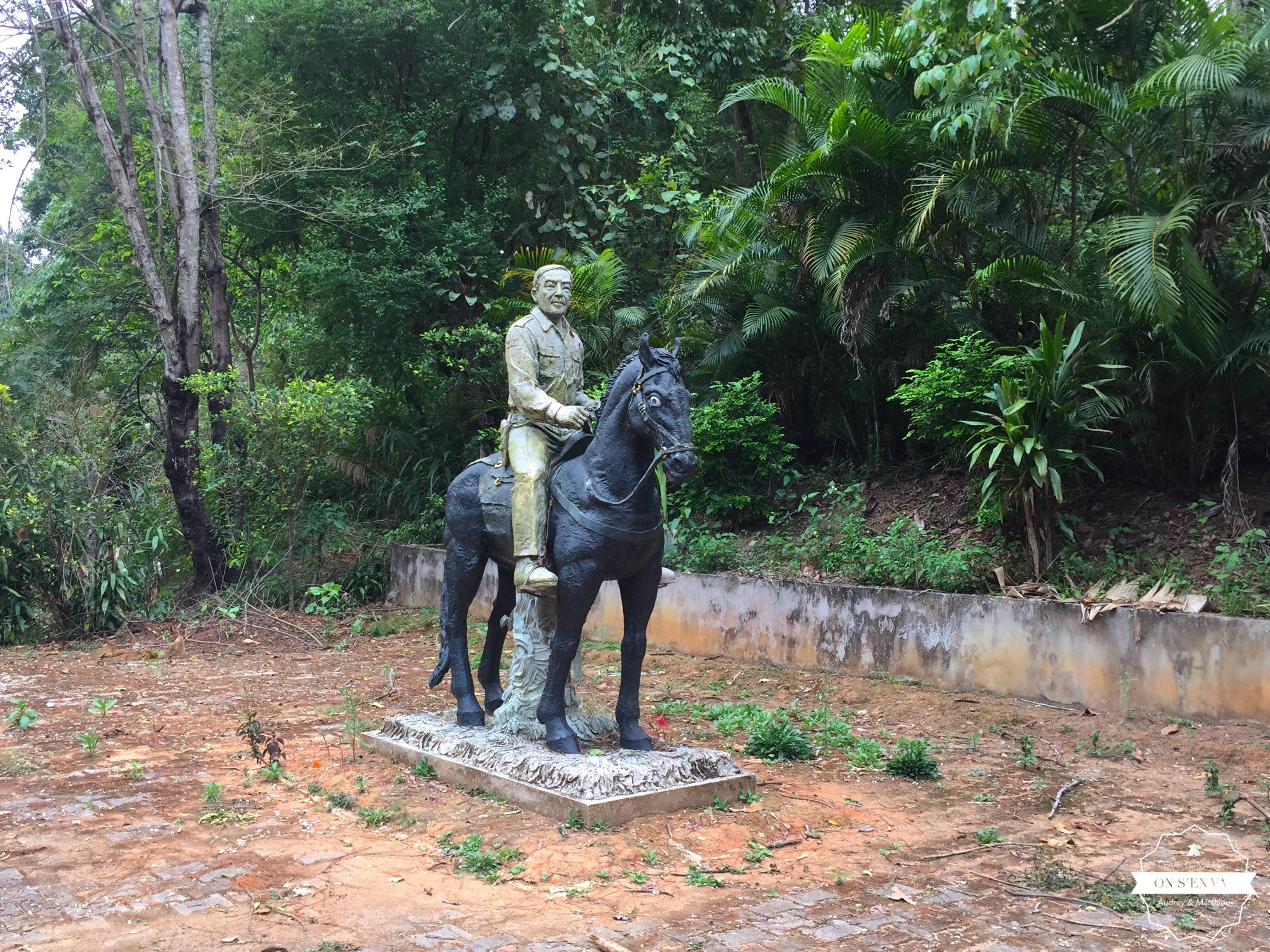Statue de Khun Sa, le Roi de l'Opium