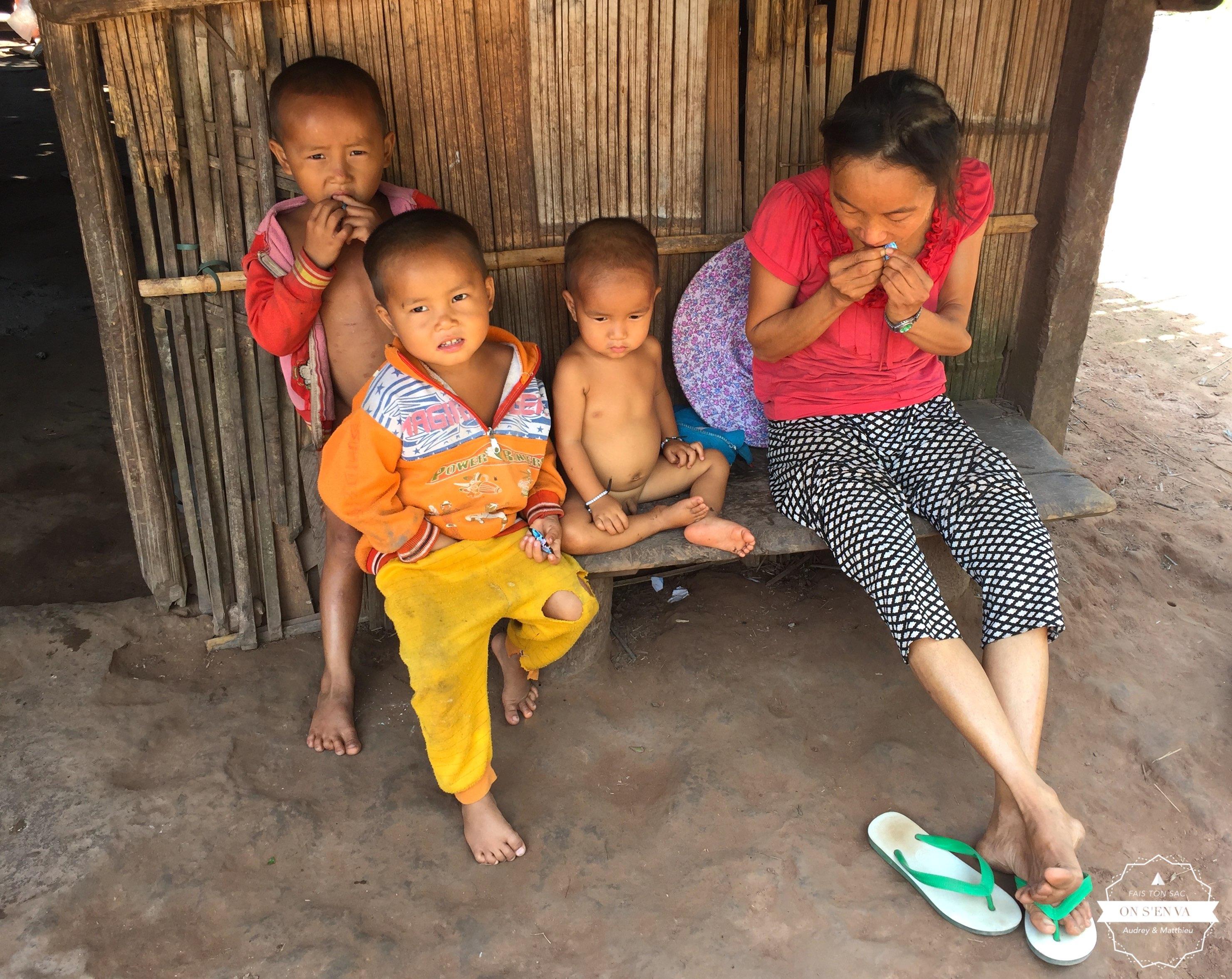 Une famille Hmong