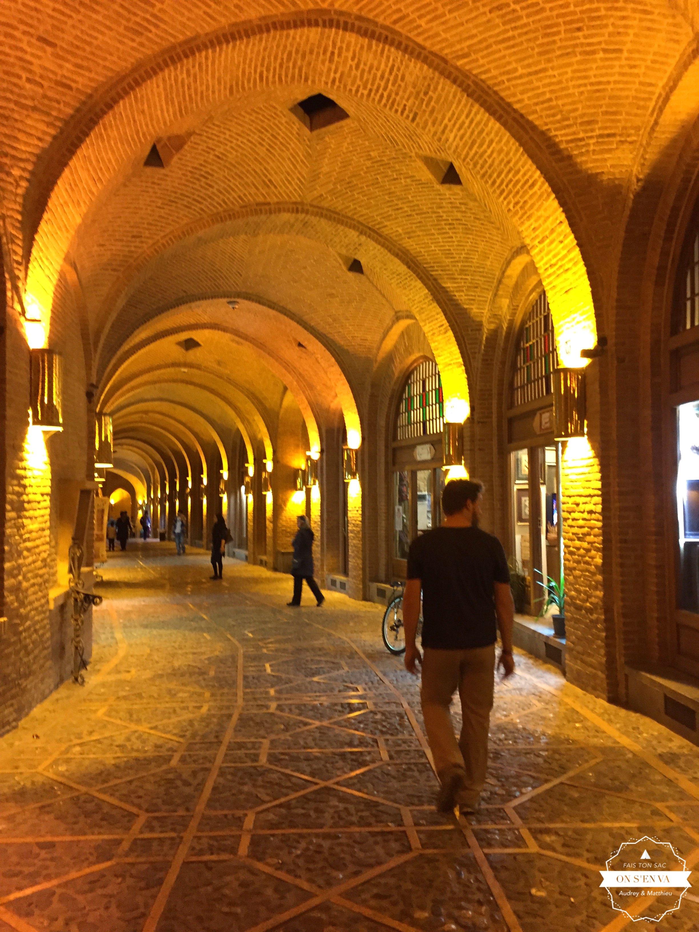 Matthieu dans le bazar de Qazvin