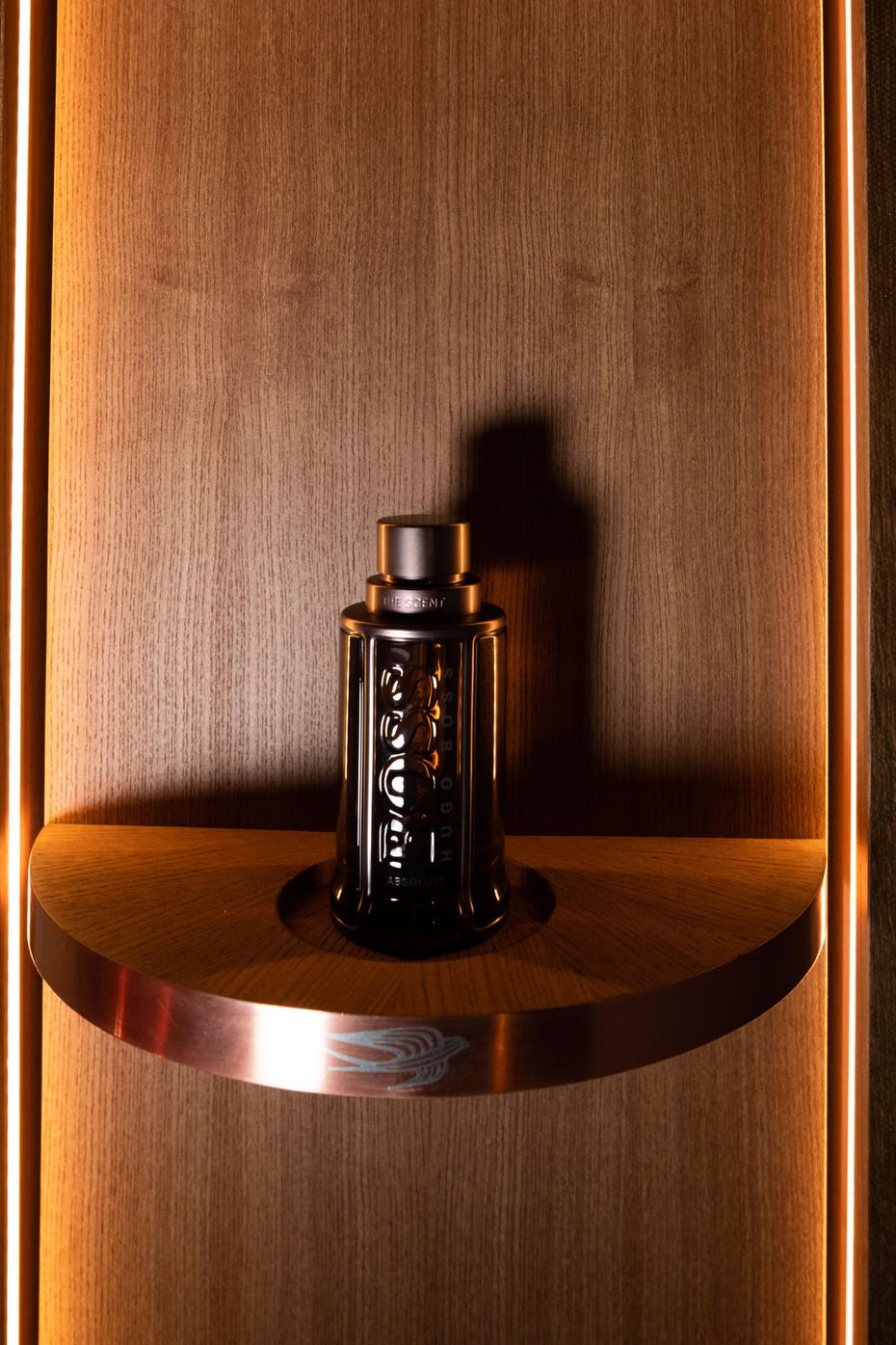 """Lancement du parfum """"the scent"""". Décors ambré chaleureux et intimiste"""