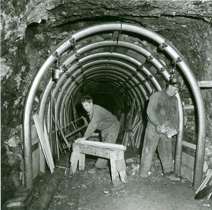 Stahlringausbau, Salzbergbau Hallstatt, um 1950