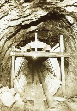 Schalung für Ausmauerung, Salzbergbau Altaussee, um 1930