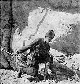 Händisches Schlenkerbohren, um 1880, Quelle: www.sagen.at