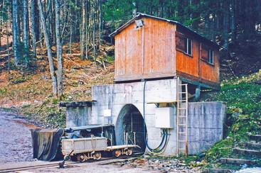 ", Stollenhütte, 2001, aus Fritz ""Salzbergwerke im Salzkammergut"""