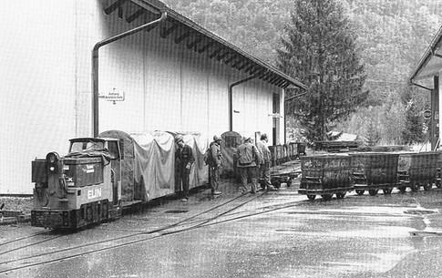 "Kaiser Franz Josef – Erbstollen, Akkulok Elin, 04 1990, aus Zeunert ""Feldbahnen in Österreich"""
