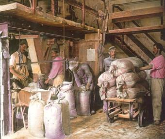 ebenseer saline_alte saline_tätigkeit_salzsäcke_um 1905_aus brandstätter salzkammergut