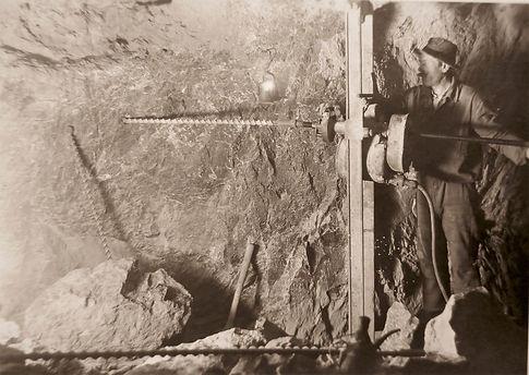 Elektrische Drehbohrmaschine von Siemens & Halske; um 1925, Archiv Salinen Austria