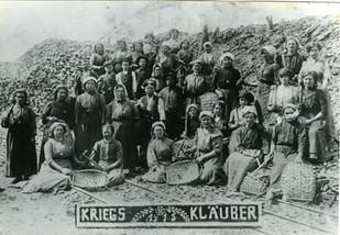 Klaubfrauen Kohlenhalde, Ruhrgebiet, 1915, Internet