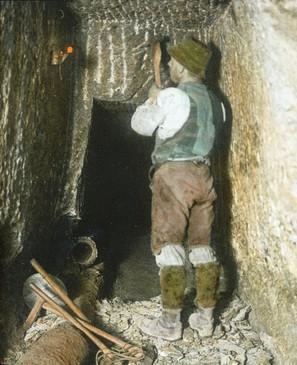 : Streckennachriss im Haselgebirge, Salzbergbau Hallstatt, um 1910