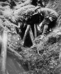Eisenerz, unterer Stollen mit Josef Hütter, um 1930, Archiv ÖSAG