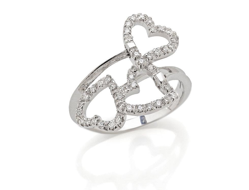 Anello in oro bianco con cuori di diamanti bianchi
