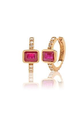 Orecchini a cerchio in oro rosa diamanti e rubini