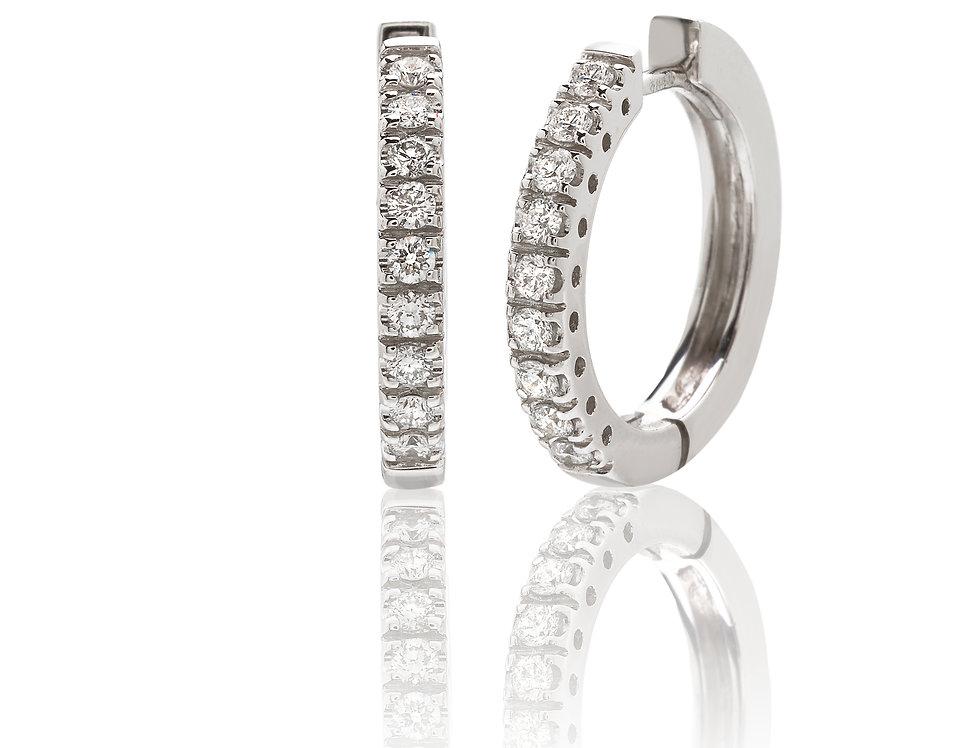 Orecchini a cerchio in oro bianco e diamanti bianchi