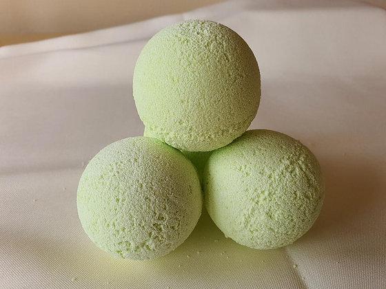 Honey, Lemon & Lime bath bomb.
