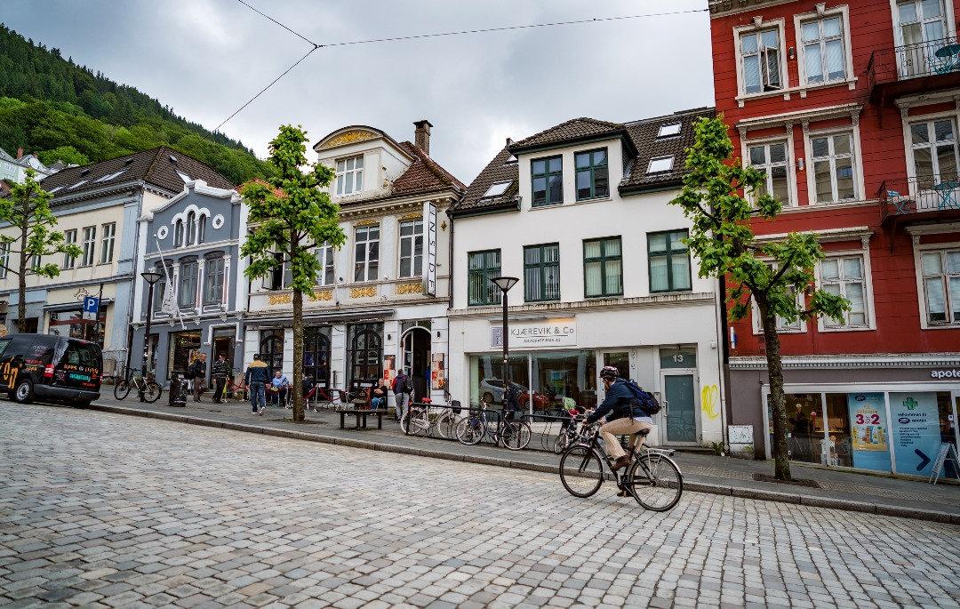 Unique Walks Through Bergen