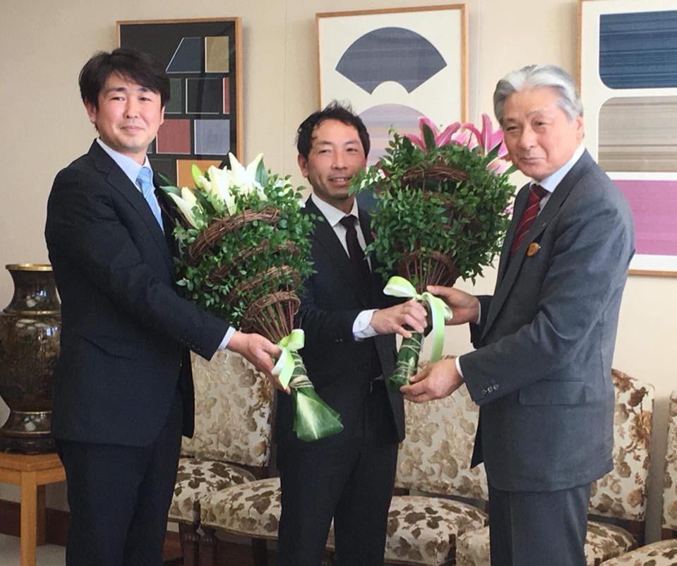 左からリリーアンバサダー小池さん、私、福田富一栃木県知事