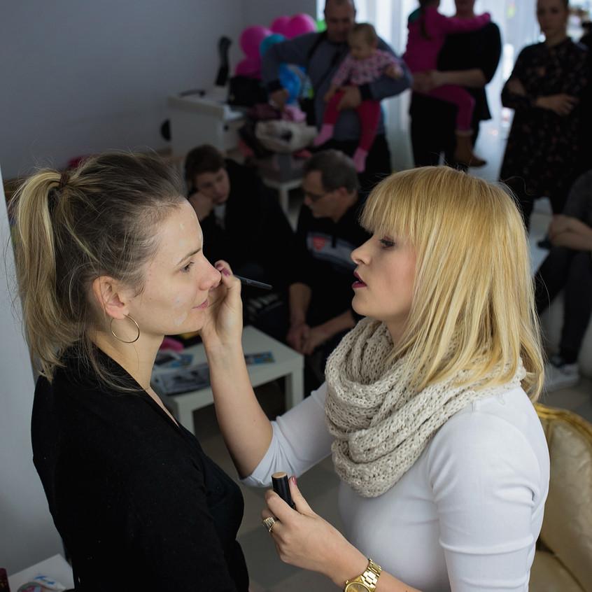 pokaz makijażu fotograficznego