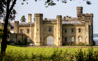 Beautiful Wedding Venues in Kent – Chiddingstone Castle