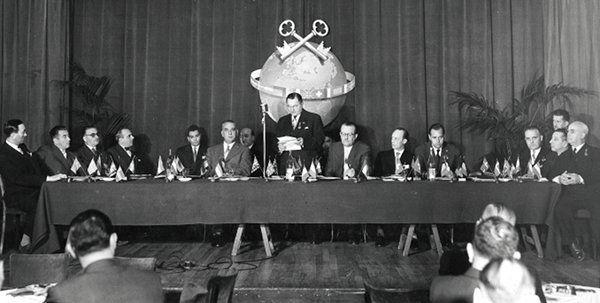 IMG_History_paris_congress-1955_2_sml.jp