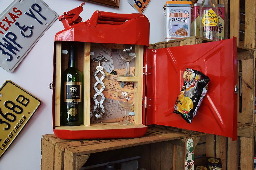 jerrycan mini bar vin rouge