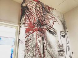 Applicazione #wallgraphics su parete in