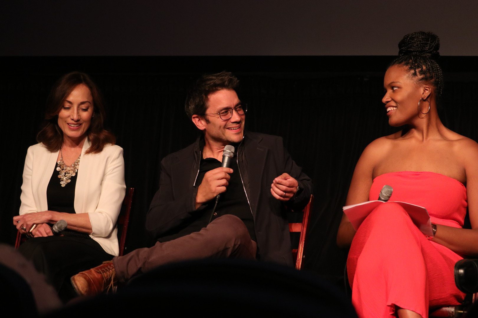 Actor Dominic Zamprogna answers a question from moderator Niya Wright.
