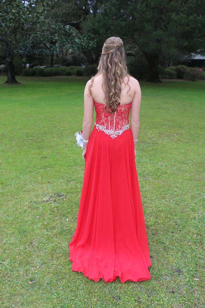 dress-2750633_1920.jpg
