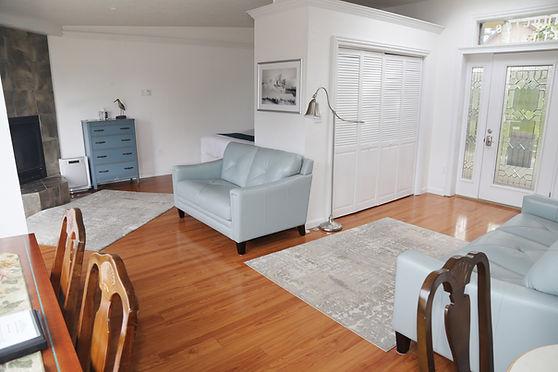 Cottage-Room-02.jpg