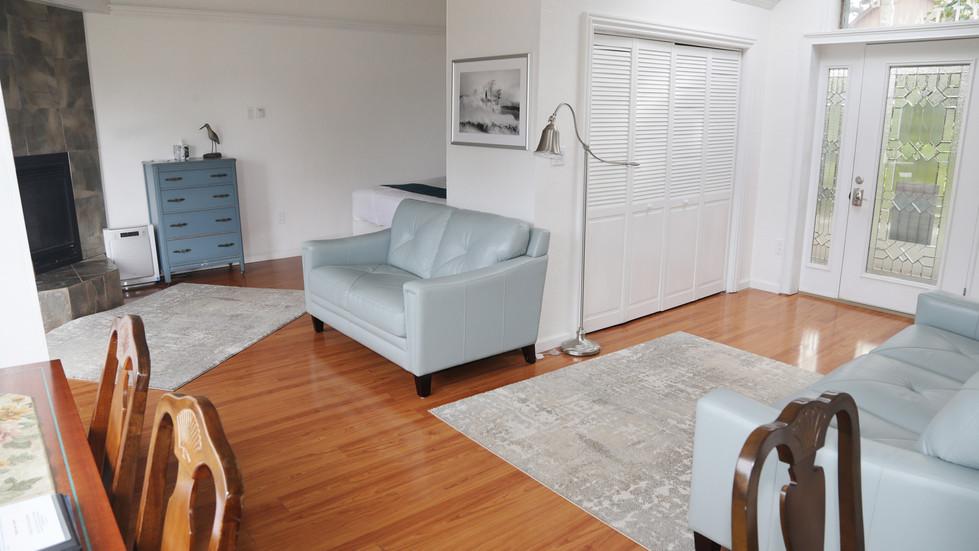 Seaside Cottage-Living Room-02.jpg