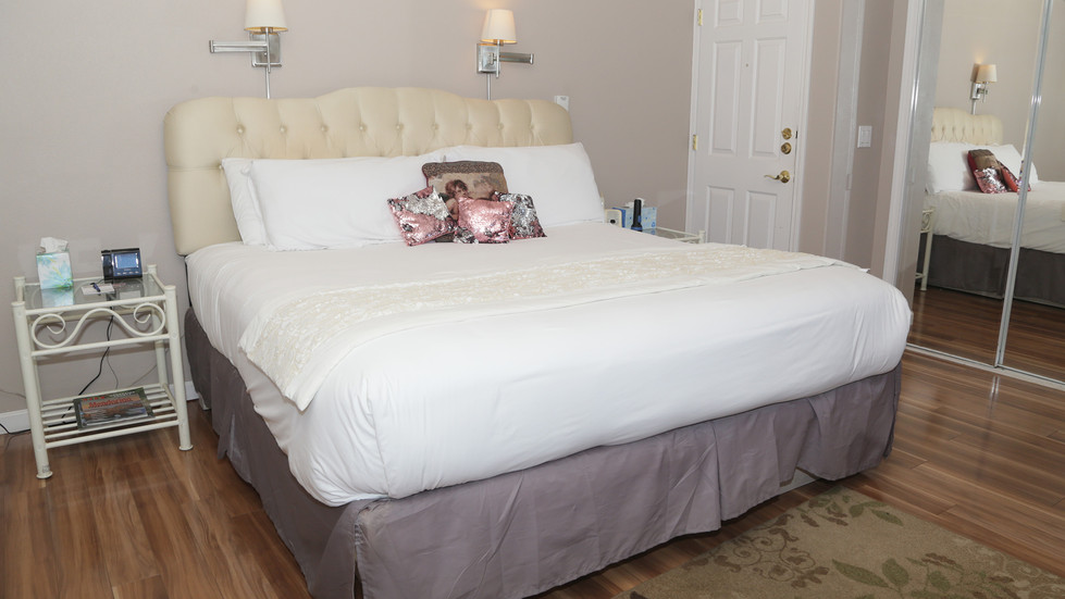 Special Occasion-Bed-01