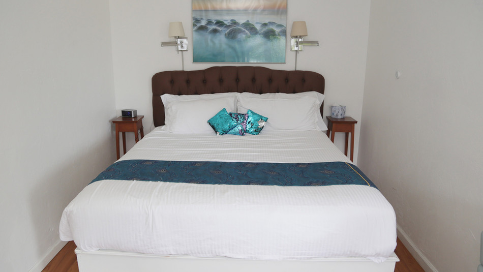 Seaside Cottage Bed-01.jpg