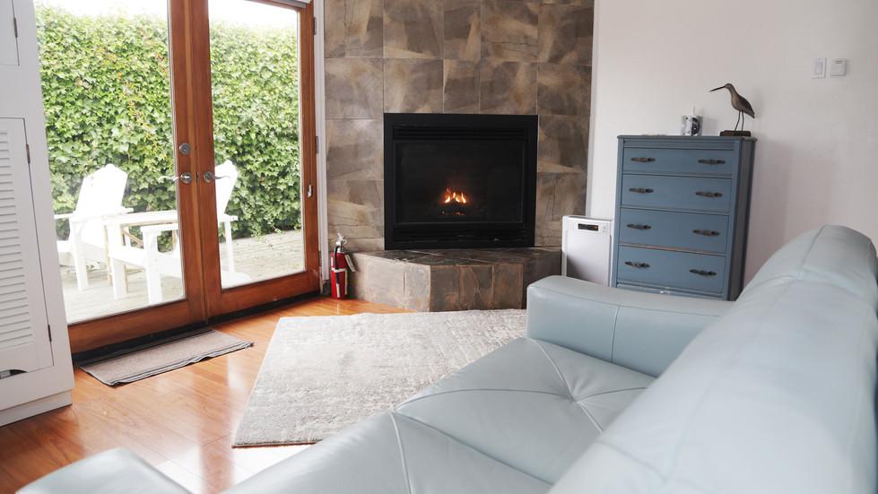 Seaside Cottage-Living Room-03.jpg
