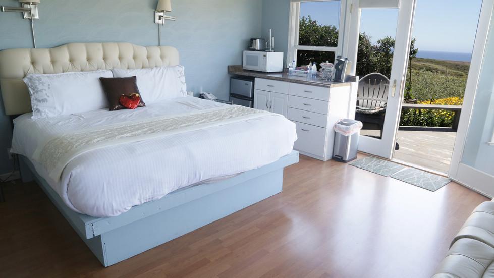Seaside Cottage Vista-Bed-01.jpg