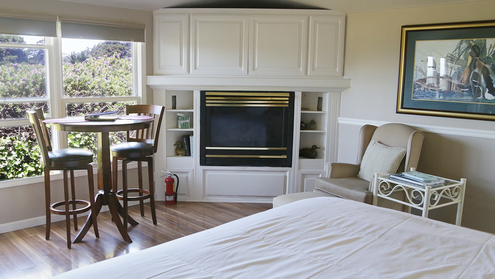 Seaside Cottage-Special Occasion-Fireplace