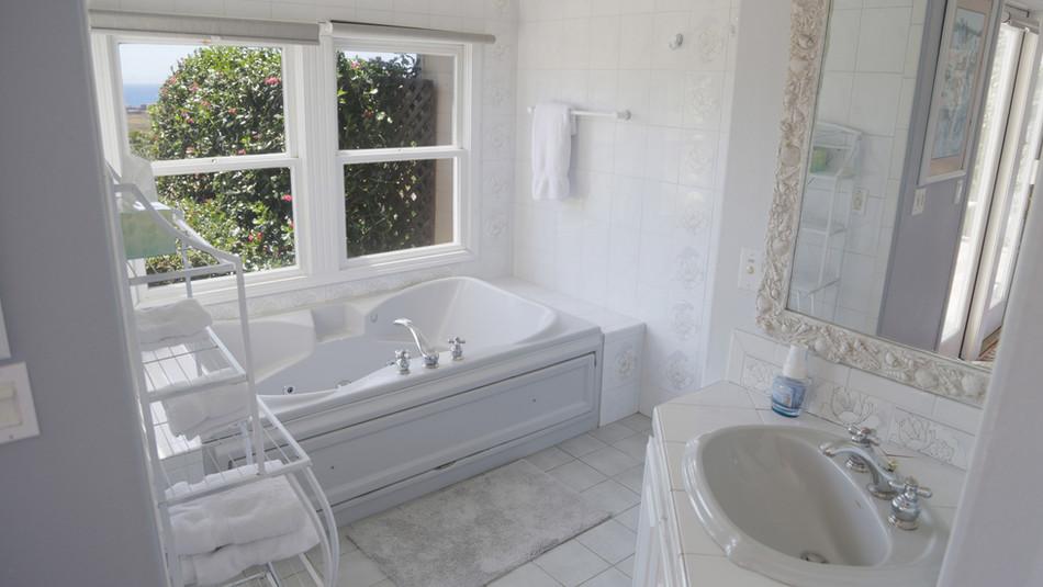 Seaside Cottage Honeymoon-Bathroom.jpg