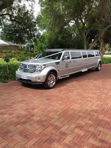 wedding-limo-hire-adelaide-2.jpg