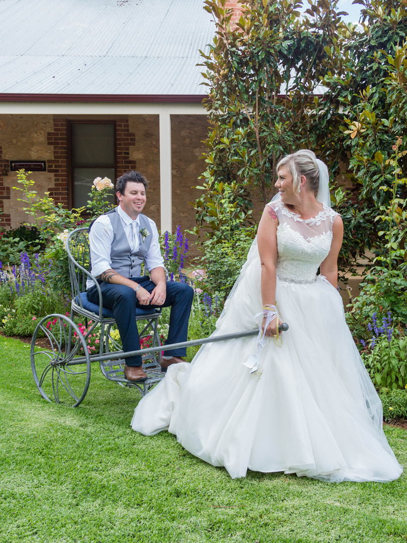 ADELAIDE WEDDING PHOTOGRAPHER - TRACEY &
