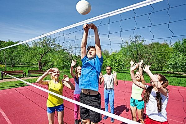 Entrenamiento bolei rubenenrenador, Categoría infantil. Entrenamiento niños juegos, oordinación, equipo, tácticas, psicomotricdad, colaboración.