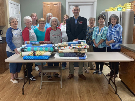 Red Bud Trail Quilting Guild Donates to the KCEOC Emergency Support Shelter