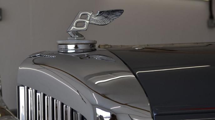 Bentley radiator badge