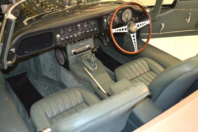 Jaguar Series 1 E type interior