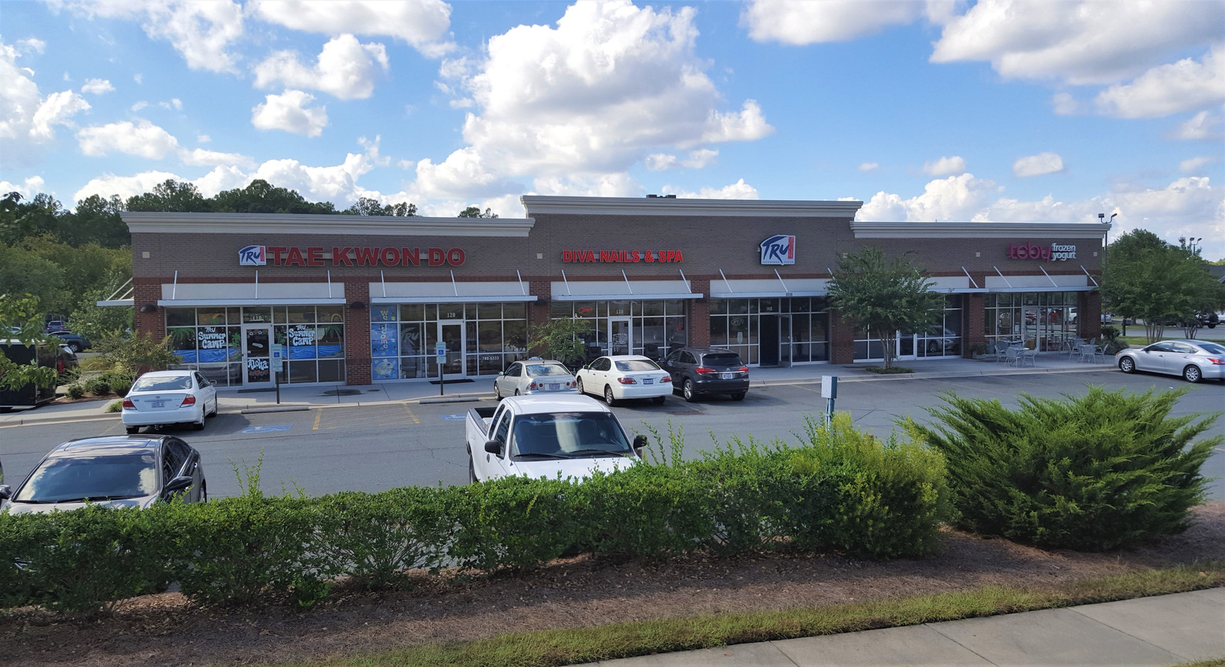 Olivers Crossing Retail