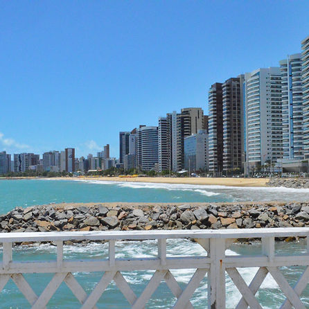 Praia_de_Iracema_-_Fortaleza_CE_3.jpg
