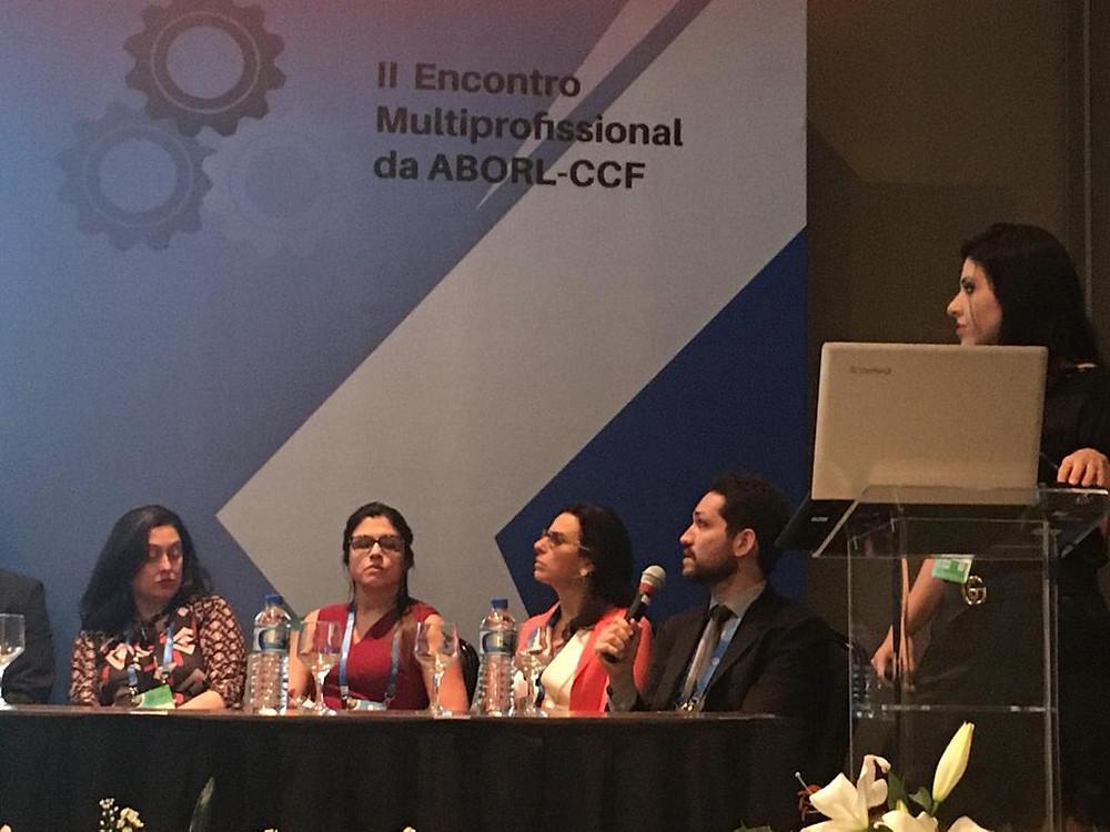 Dr Márcio Salmito em mesa de discussão de casos clínicos - oportunidade de discutir a importância de se chegar a um diagnóstico, discutir achados de exames, em particular video-oculografia e video-head impulse test (vHIT), e condutas clínicas.