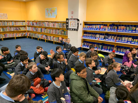 Reader in Residence:3rd class met Ruth in the Ilac Library this afternoon and we had a great time!