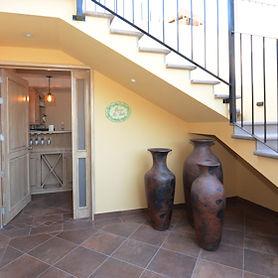 la_vista_entrance_280.jpg