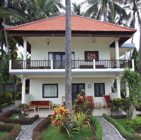 Double rooms in beachfront bugalow
