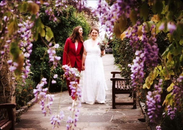 Surrey based wedding photographer and lover of all things weddingy. LGBTQ+ Couples UK wedding photographer