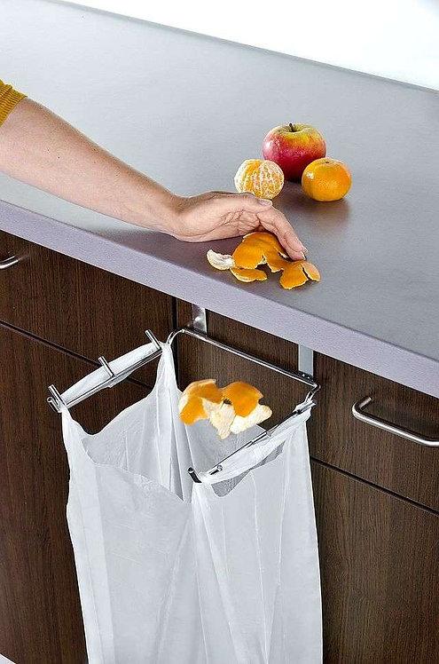 מתקן מיוחד לדלת המטבח