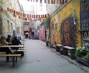 ברלין עפה על עצמה